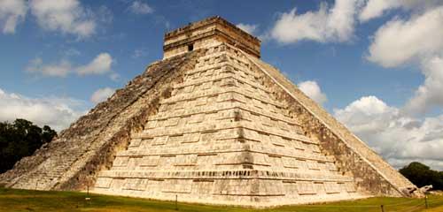 Чичен Итца пирамида Кукулькана Кетцалькоатля