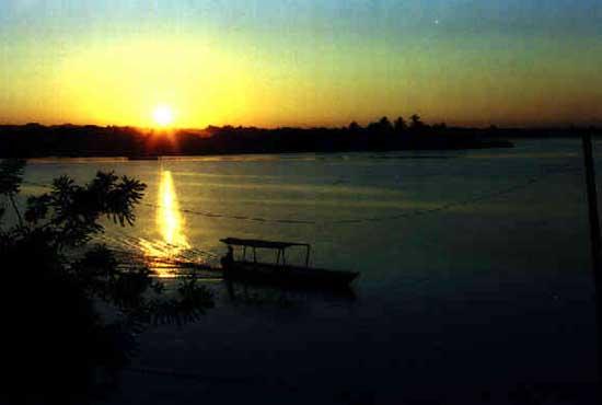 Флорес озеро Петен Итца