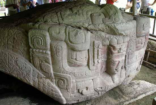 Кригуа камень с изображением человека