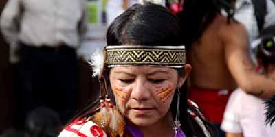 Современная женщина майя