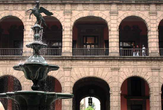 Мехико-сити дворец президента