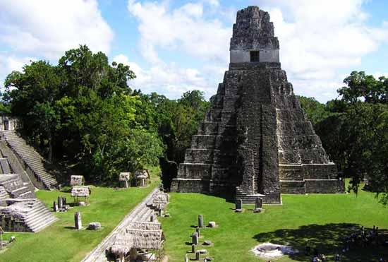 Тикаль пирамиды