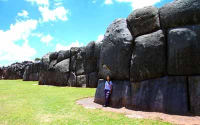 Саксайуаман стена крепости