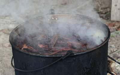 Аяхуаску готовят на огне