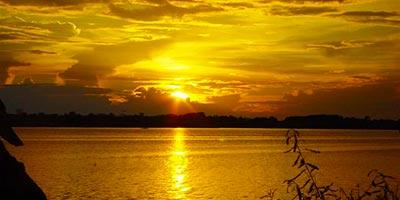 Закат на озере Яринакоча