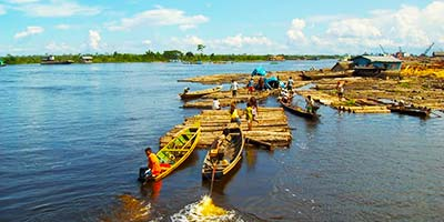 Лодки на озере Яринакоча